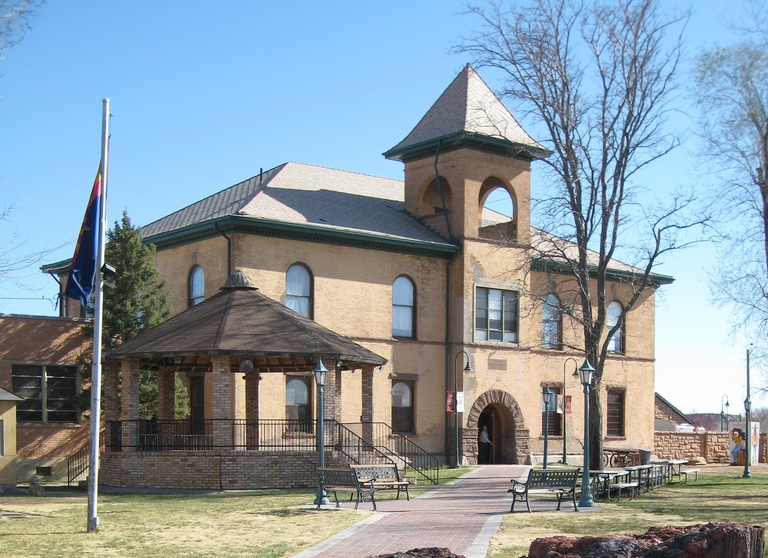 Historic Navajo County Courthouse and Museum cropped